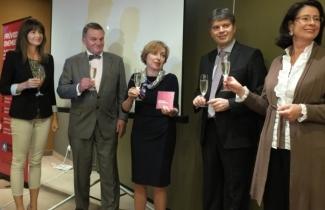 Osobnosti pokřtily edukativní DVD pro onkologické pacientky